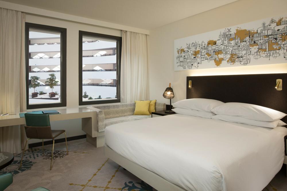 Guest room Hilton Airport Schiphol